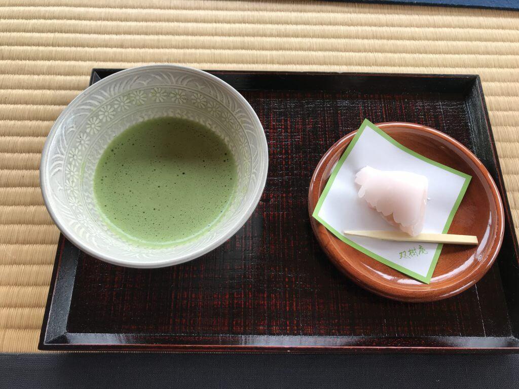 Green tea and mochi