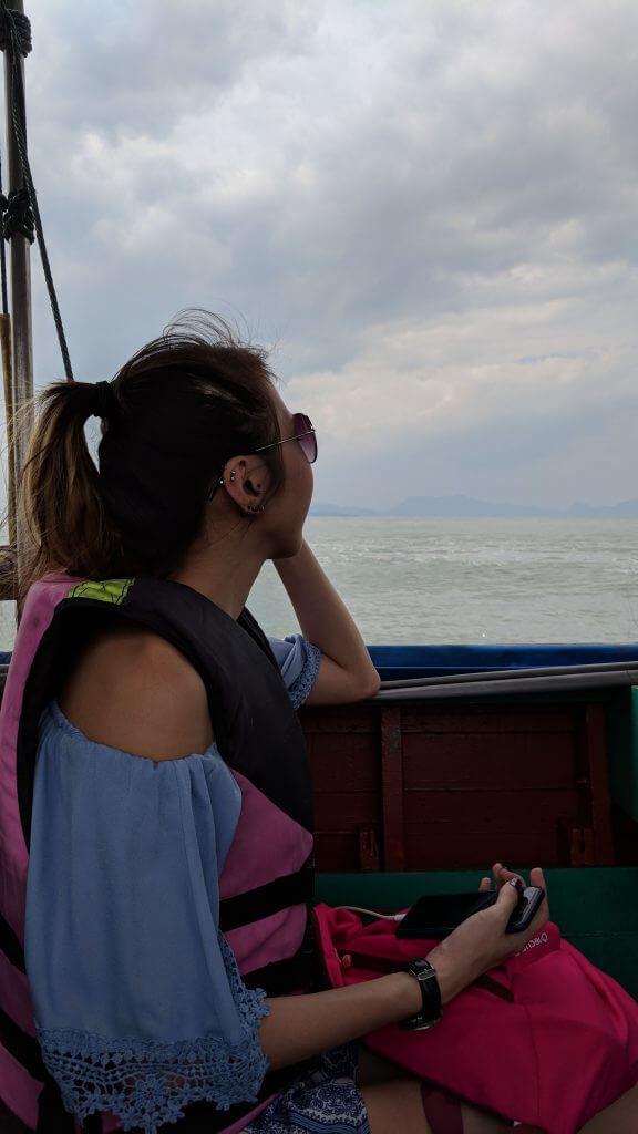Minmin on boat